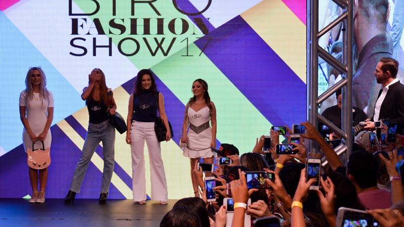 Moda  A Birô levou à passarela várias Celebridades e Blogueiras ... 8ab1a1e92c